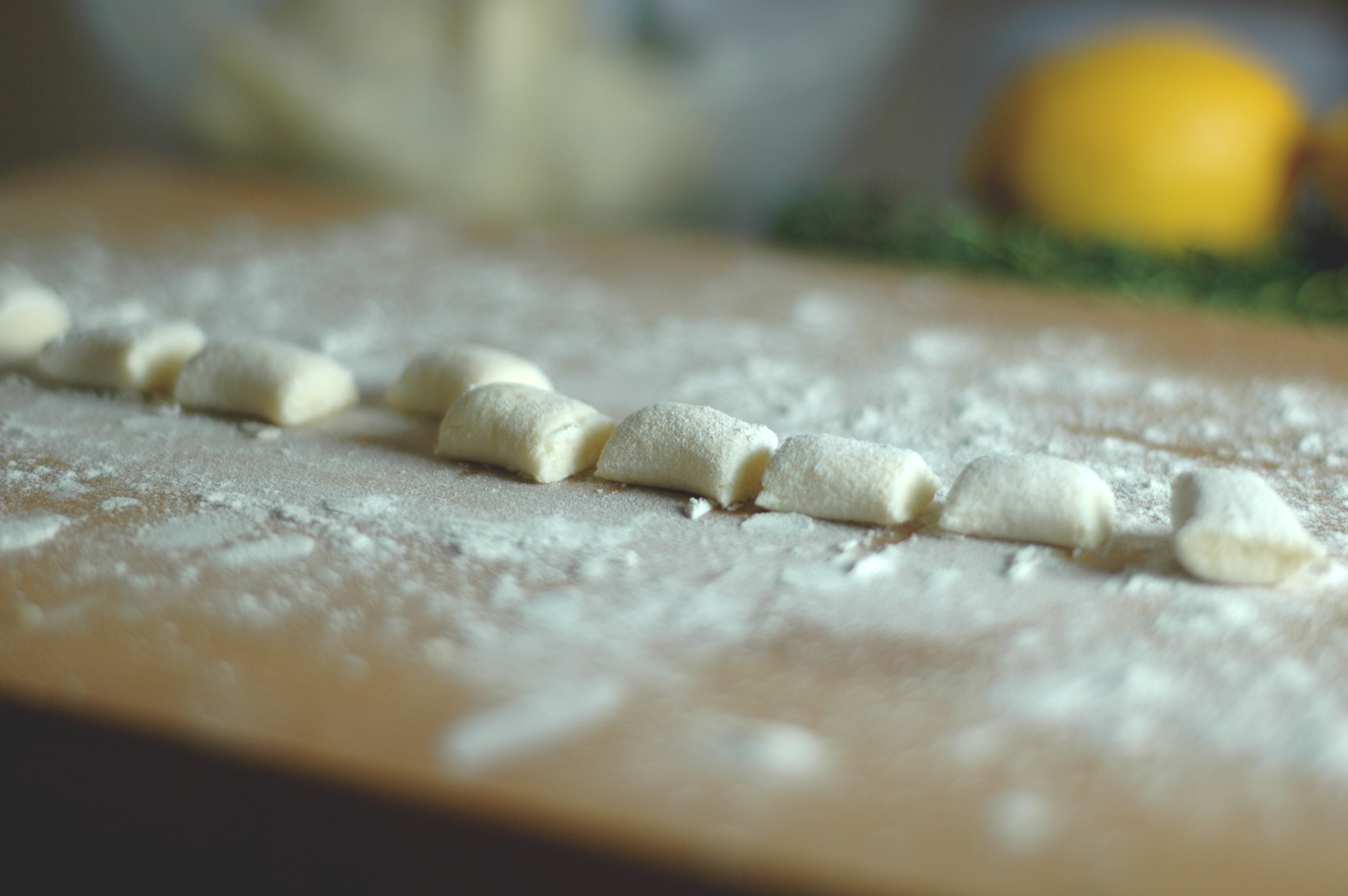 Ricotta Gnocchi and Asparagus with Lemon-Thyme Sauce - but i\'m hungry