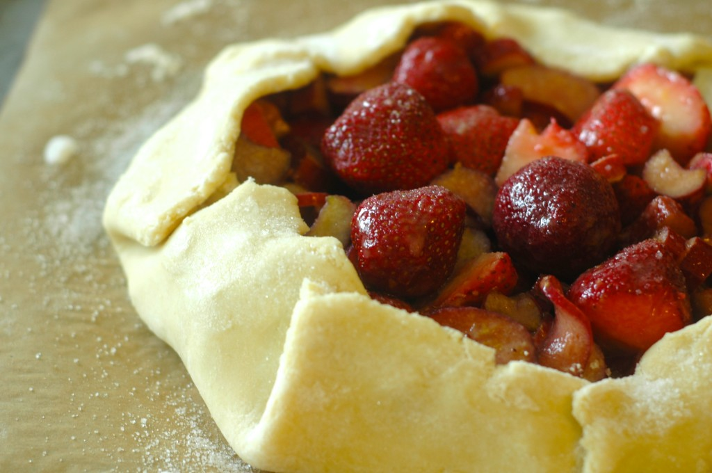 Vanilla-Scented Strawberry and Rhubarb Crostata
