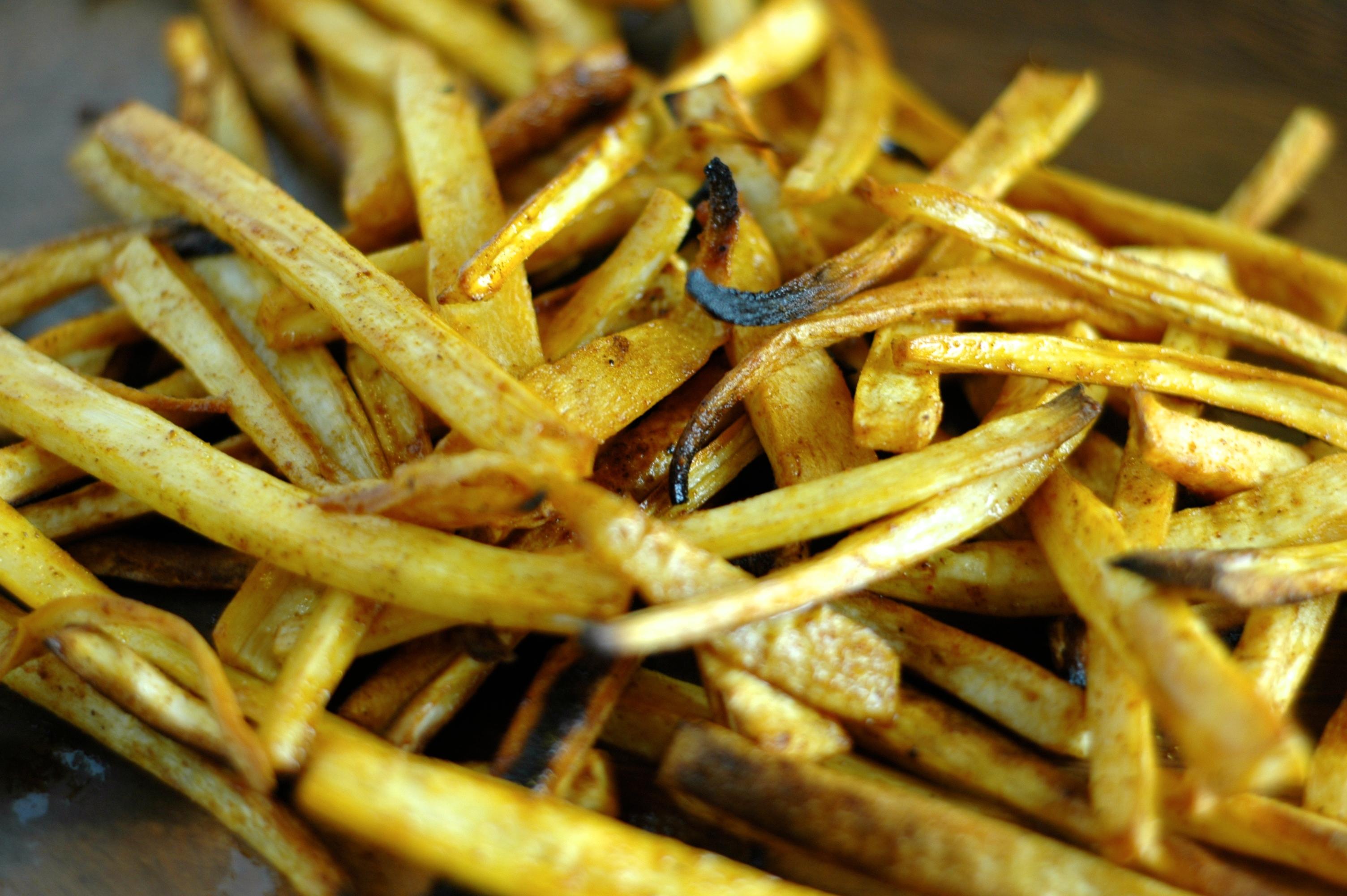 Paprika Parsnip Fries - but i'm hungry