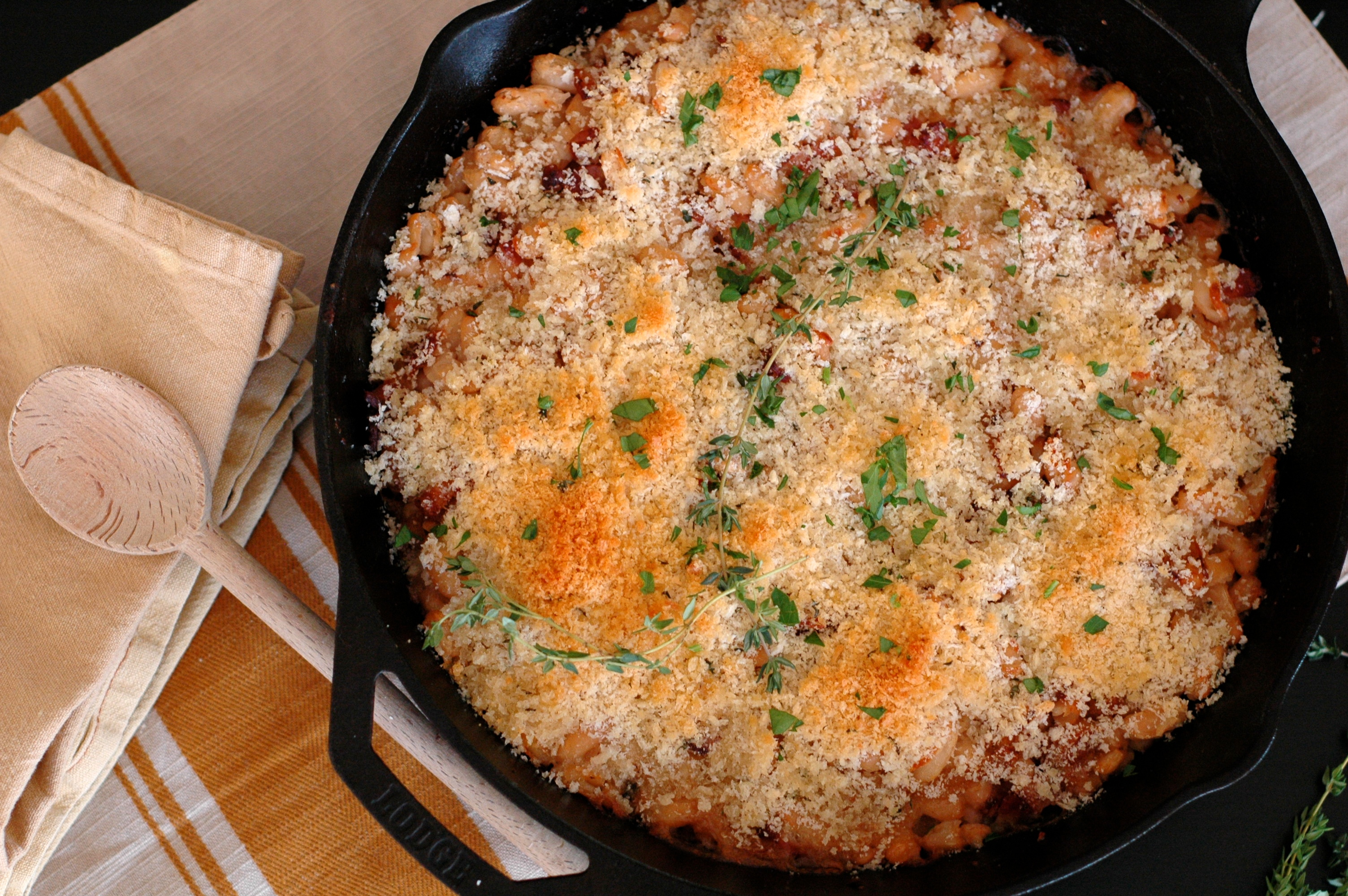 Baked White Beans with Bacon and Breadcrumbs